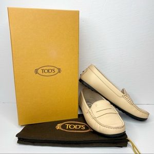 Tod's 'Gommino' Leather Driving Loafer